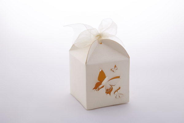 кутия, пеперуди