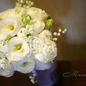 сватба , булченски букет, момина сълза, ранункулус, пролетна сватба