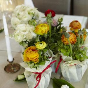 сватба, сватбена декорация, ранункулус, пролетна сватба, подаръци за гости