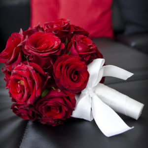 сватба, сватбен букет, булченски букет, червен булченски