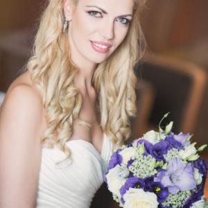 сватба, декорация за сватба,булченски букет в лилаво