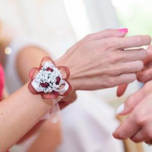 сватба, сватбена, декорация, бордо, червено, шаферки, гривни