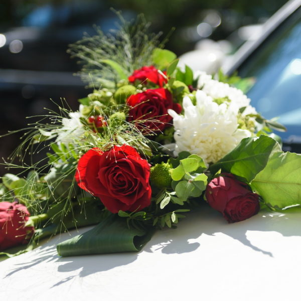 сватба, сватбена, декорация, бордо, червено, монтесито, сватбена, автомобил