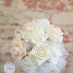 сватба, сватбен, букет, хвърляне, шаферка, рози , перли , булка,