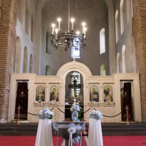 декорация за църква, декорация за кръщене, купел, синя хортензия