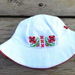 детска шапака с шевици, кръщелни дрехи, кръщене народен стил