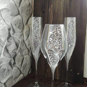 сватбени чаши, чаши за шампанско, декорирани чаши, бокал за църква