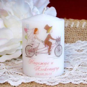 подаръцки гости сватба, сватбени свещи, свещи подарък за гости, свещи с имена
