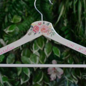 закачалки за шаферки, подаръци за шаферки, декорирани закачалки