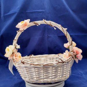 сватбена кошница, кошница за късмети, декорирана кошница, прасковен цвят